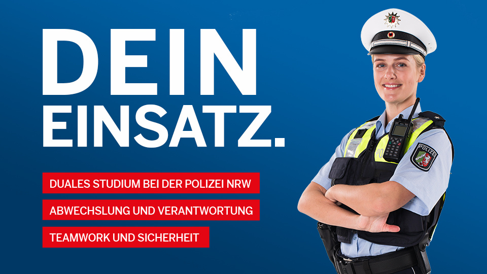 Polizistin in Uniform